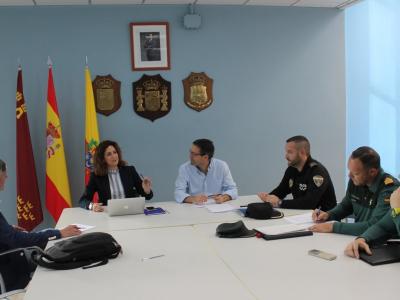 Reunión de la Junta Local de Seguridad para planificar las medidas a llevar a cabo con motivo de las próximas Fiestas Patronales