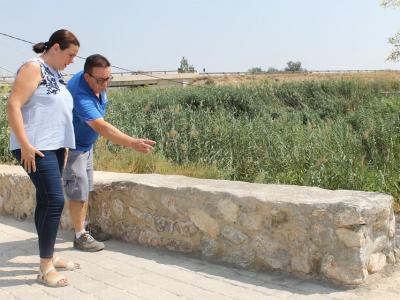 Arreglado, con rapidez, una parte del muro del paseo del río Segura junto a la presa del paraje del 'río Muerto'