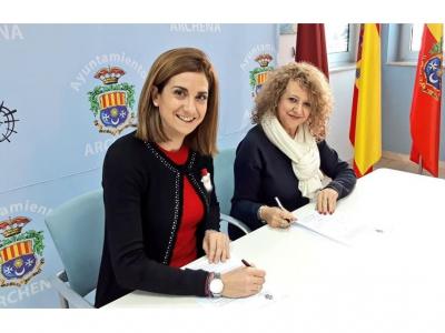 La Alcaldesa firma sendos convenios de colaboración con las asociacionesAsemar Empresa y Comercio de ArchenayAsociación de Comercio Valle de Ricote