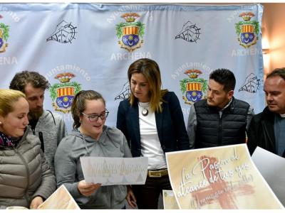 Presentados los carteles del Vía Crucis por las calles del Barrio de San Juan y de la IX convivencia de jóvenes cofrades
