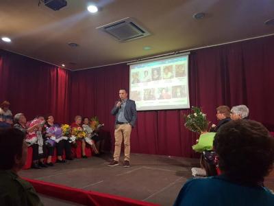 El Centro Cívico de La Algaida completó su aforo para ver la obra