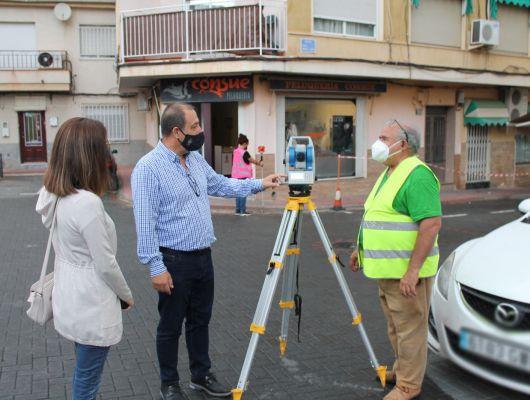 Técnicos especialistas trabajan en la actualización de la cartografía del municipio