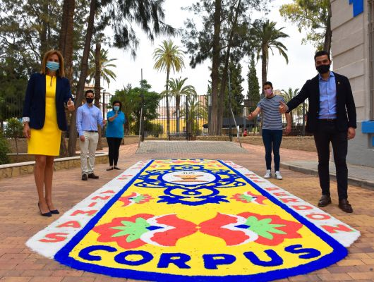 Sólo 14 alfombras de sal se colocaron en barrios y pedanías y otros espacios emblemáticos, en el día grande de la festividad del Corpus