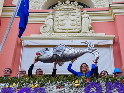 La gran protagonista de los festejos sardineros, la popular sardina llegó por fin a Murcia, procedente de Archena