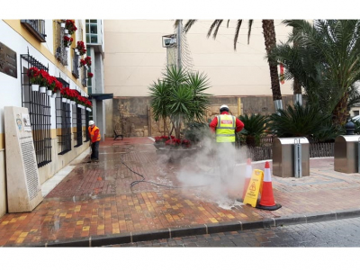 El Ayuntamiento intensifica el Plan de Limpieza en estas fechas de Navidad