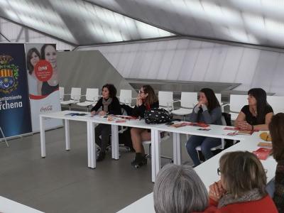 María José Guillén, Concejala de Educación e Igualdadde Oportunidades, inaugura el taller