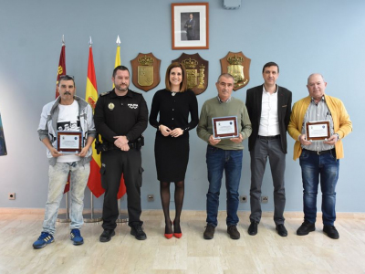 Entrega de distinciones a tres agentes de la Policía Local de Archena