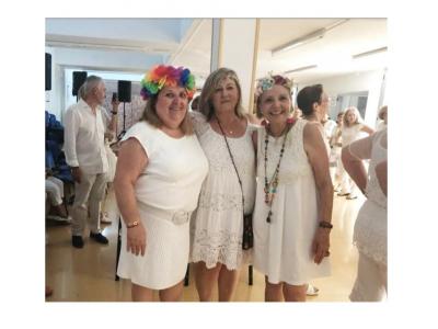 El IMAS de Archena recibe el verano con su tradicional fiesta ibicenca
