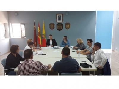 Obras de mejora para la seguridad vial en la Calle Ramón y Cajal y pavimentación del Recinto Ferial
