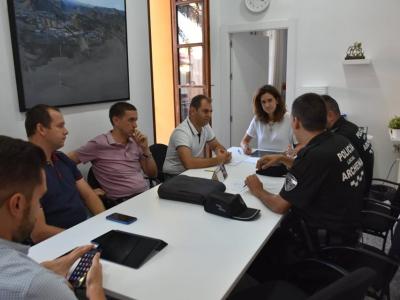 Reunión para coordinar las actuaciones de la 'I Exhibición Nacional de Perros de Trabajo Policial', que se celebrará mañana en Archena